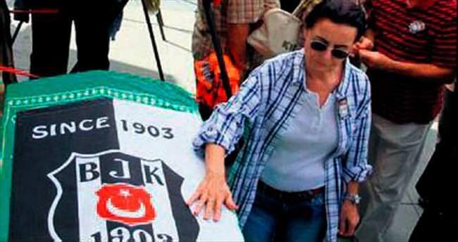Ün, Beşiktaş sevgisi ve Girik aşkıyla uğurlandı