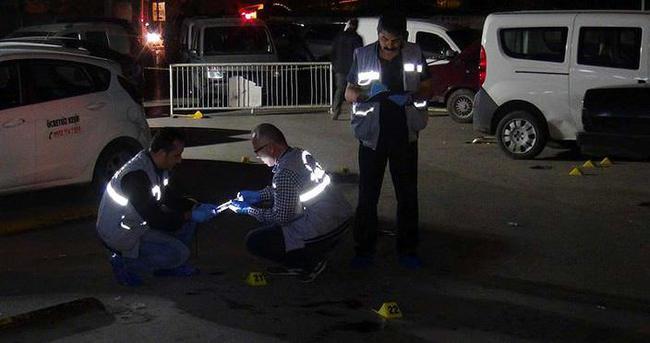 Ambulans şoförü kıskançlık krizi geçirdi: 2 ölü!
