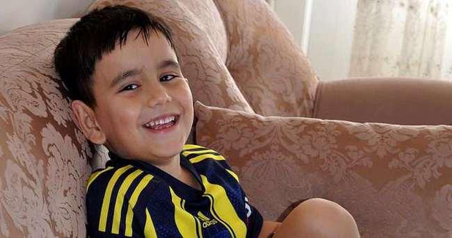 Küçük Berkay, amigo Recai'ye tokat attı, barıştı