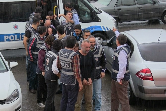 Göçmen Kaçakçılığına 15 Gözaltı