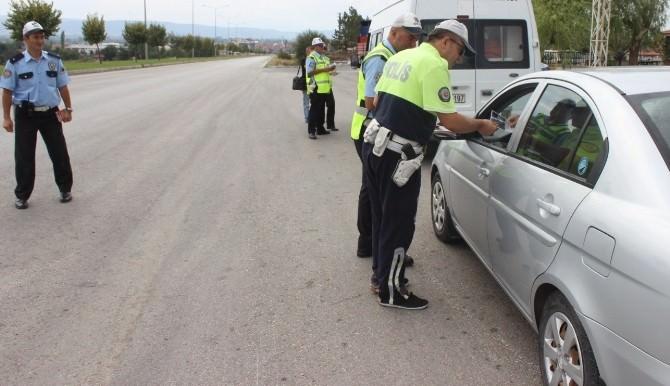 Hırsızlık İddiasıyla Aranan 2 Kişi Yakalandı