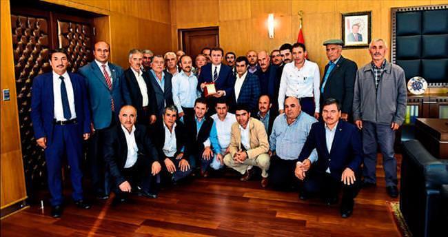 Erkoç: Muhtarlarımız çınarın köküne yakın