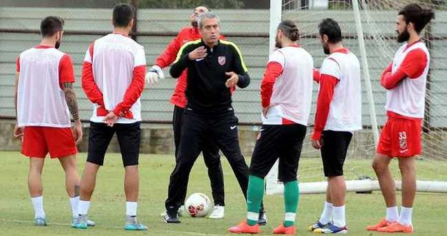 Karşıyaka'yı penaltılar yaktı