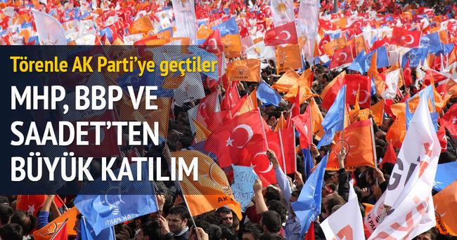 AK Parti'ye üç partiden büyük katılım