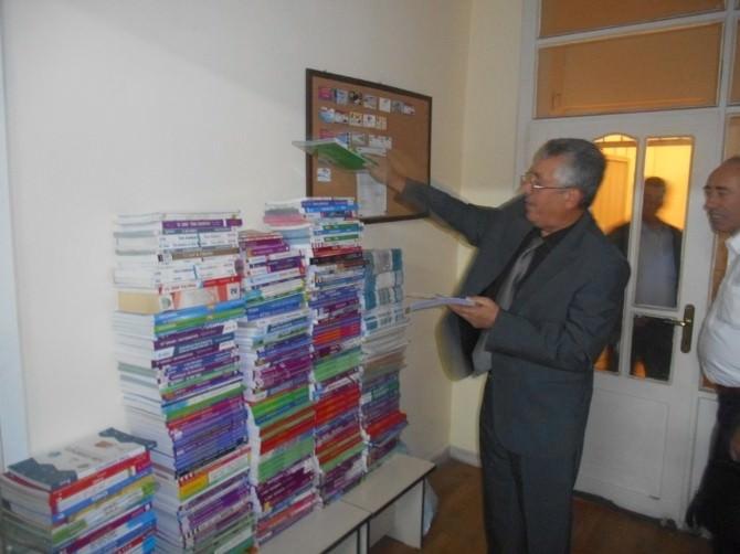 Yardımlaşma Derneğinden Öğrencilere 6 Bin Kitap