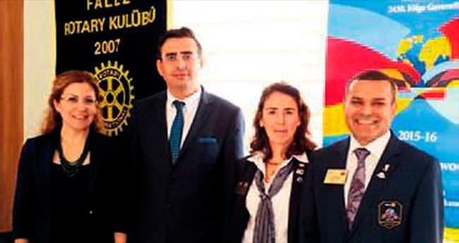 Rotaryenlerden göz eğitimi semineri