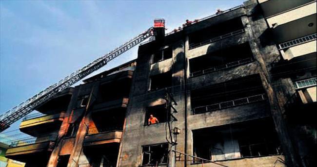 Mersin'de binayı yaktılar