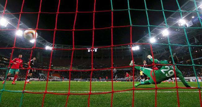 Usta yazarlar Lokomotiv Moskova-Beşiktaş maçını yorumladı