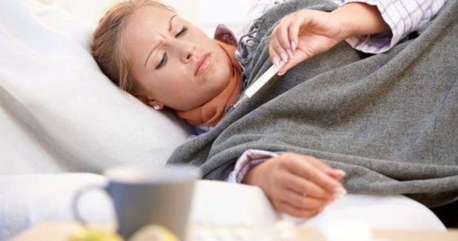 Boğaz ağrısını doğal karışımlarla yenin!