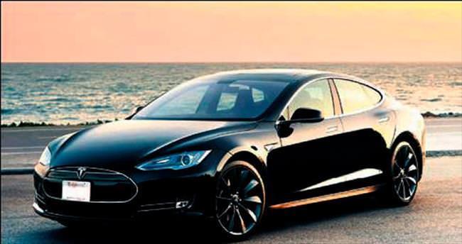 Tesla cep telefonu gibi güncelleniyor