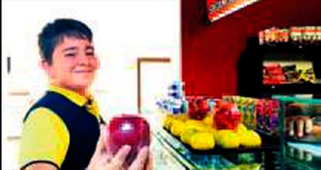 Kantinde yumurta süt ve meyve satışı