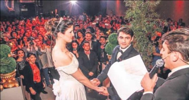 Evlenen kalmayınca sahte düğün modası başladı