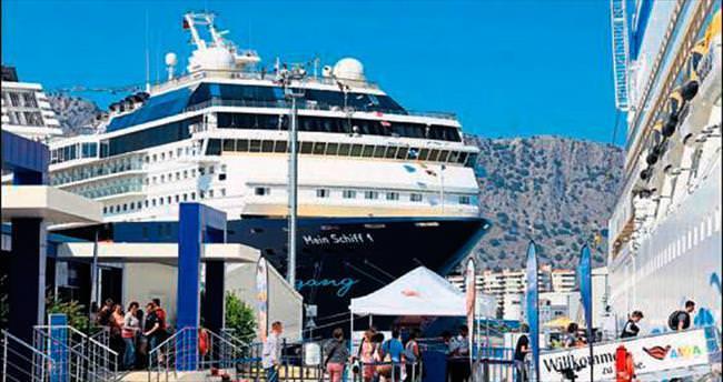 Kruvaziyer turisti üç kat fazla kazandırıyor
