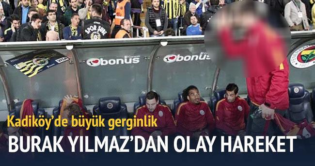 Burak Yılmaz'dan Fenerbahçeli taraftarlara olay hareket