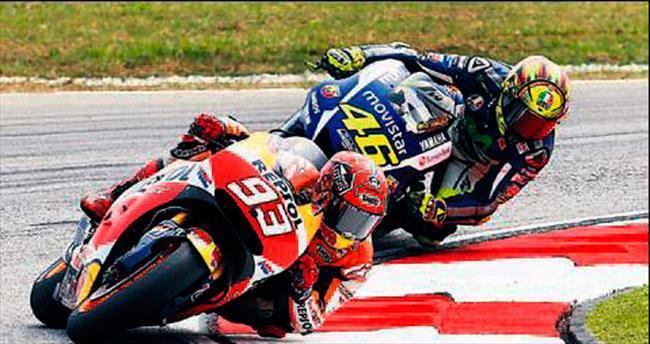 Rossi'den tarihi tekme