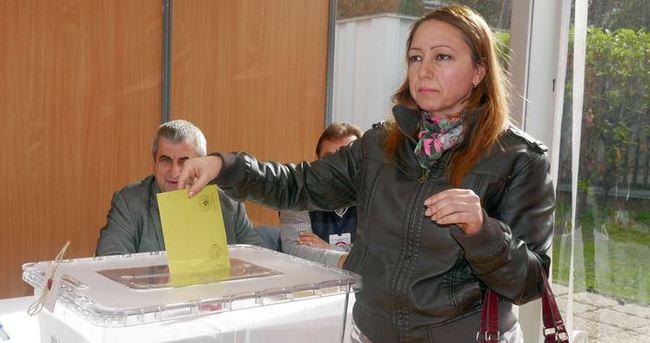 Fransa'da 150 bin kişi oy kullandı!