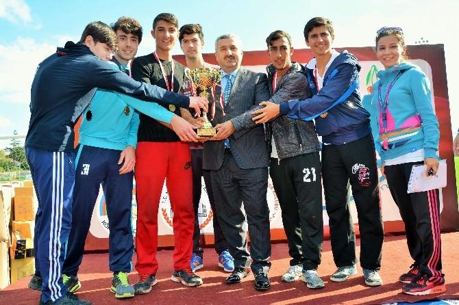 Körfez'de Gençler 'Cumhuriyet' İçin Koştu
