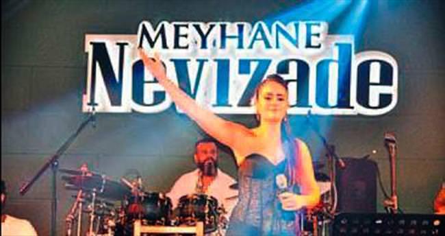 Nevizade İzmir kapılarını açtı
