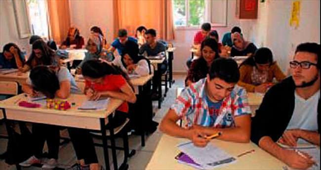 Üniversite adayları ücretsiz kurs alıyor