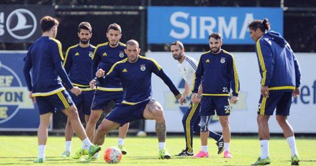 Fenerbahçe'de Caner Erkin ve Ba'dan kötü haber