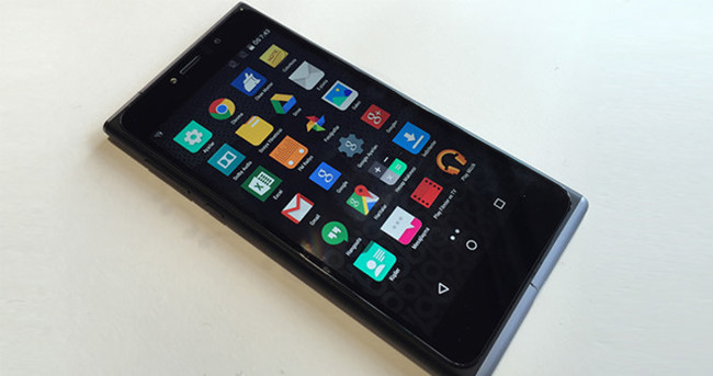 Apple'ın eski CEO'sundan yeni telefon