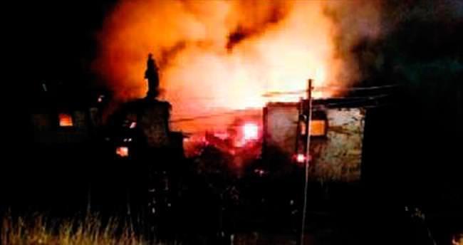 Çubuk'ta 150 yıllık tarihi bina yandı