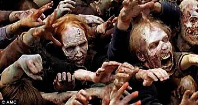 Arkadaşını zombi oldu diye öldürdü