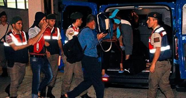 5 kaçak göçmen botla yakalandı