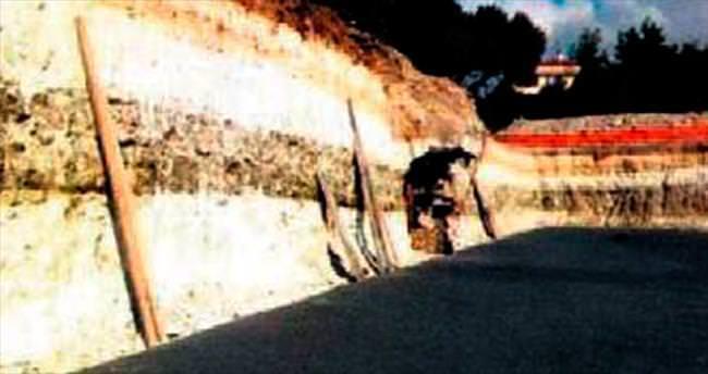 Okul temelinden tarihi su kuyusu çıktı
