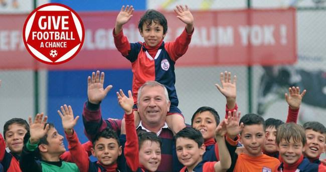 Çocuklar için futbola bir şans ver