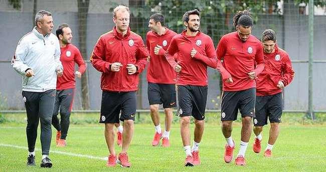 Galatasaray, Benfica mesaisine başladı