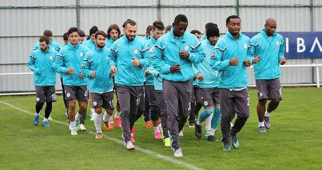 Rizespor, Galatasaray mesaisine başladı