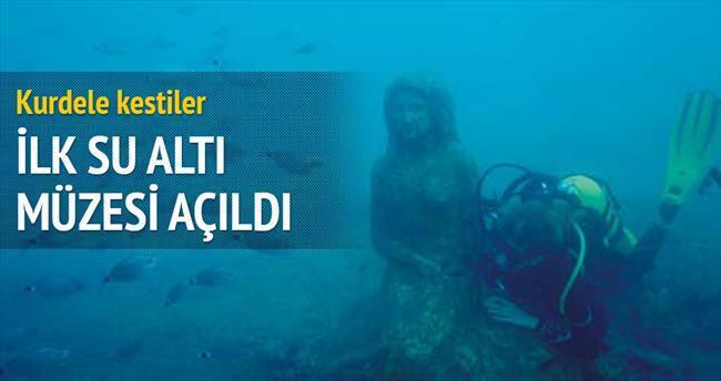 İlk su altı müzesi kurdeleyle açıldı
