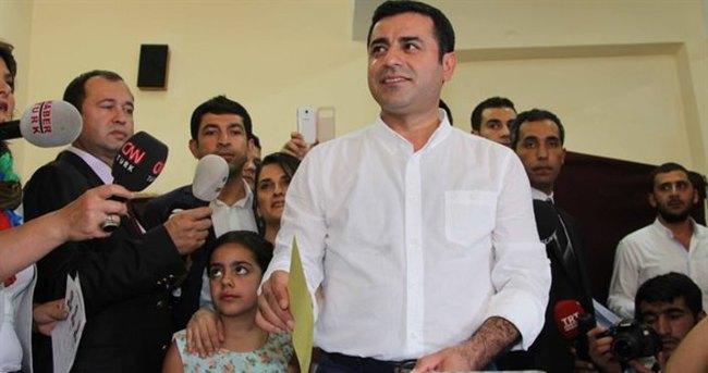 HDP Eş Başkanı Demirtaş oyunu kullandı