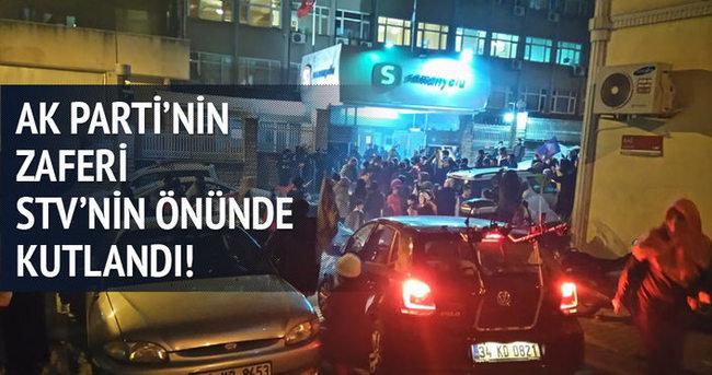 STV binasının önünde AK Parti zaferi kutlanıyor!
