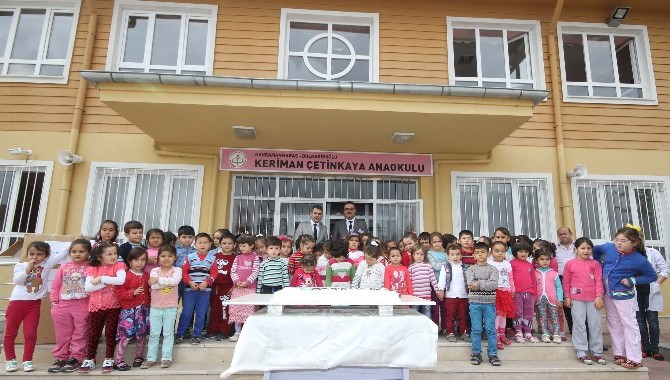 Rönesans Eğitim Vakfı Öğrencileri Sevindirdi
