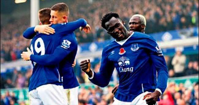 Everton evinde gol oldu yağdı