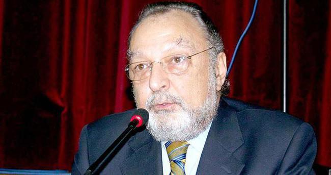 Gazeteci Üstün Akmen vefat etti