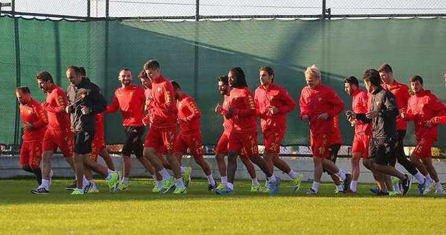 Göztepe'de 2 futbolcu kadro dışı