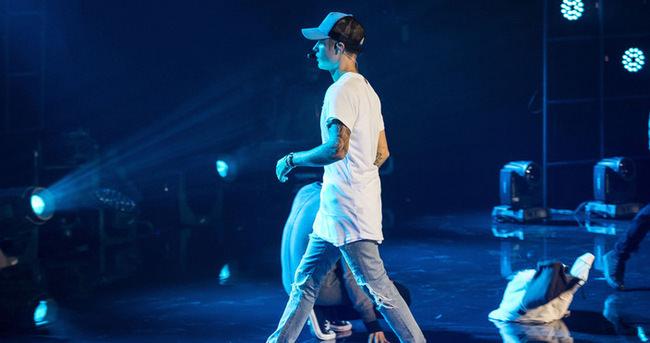 Justin Bieber'dan şok hareket