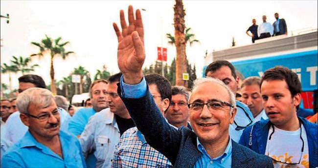 Ak parti Mersin'de oy patlaması yaptı