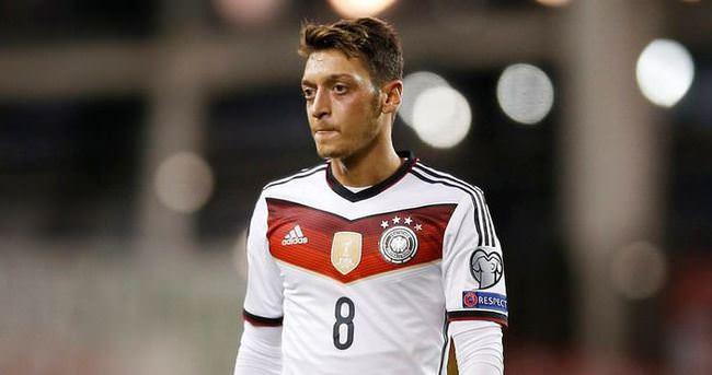 Lahm'dan Mesut Özil'e övgü