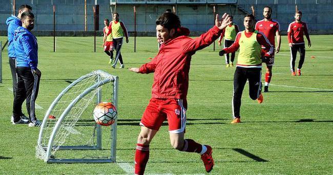 Sivasspor iki eksikle çalıştı