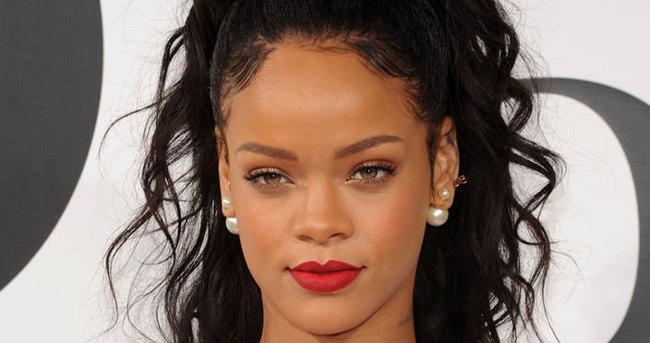 Rihanna hayranlarına müjde!