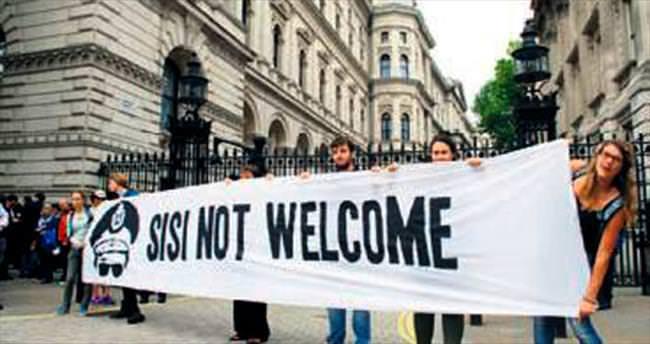 Sisi'ye İngiltere'de insan hakları tepkisi