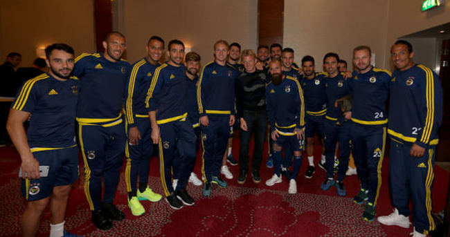 Kuyt Fenerbahçe'yi ziyaret etti