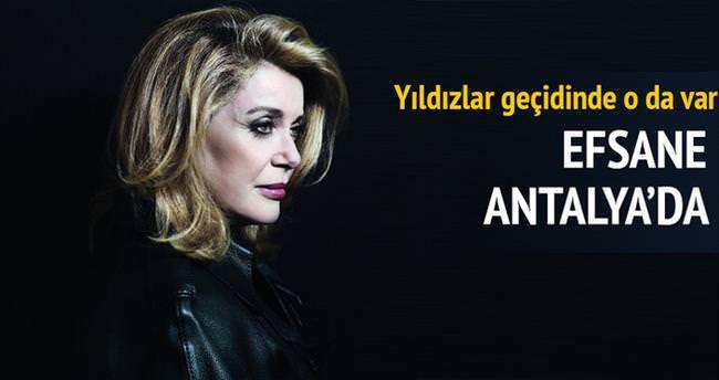 Deneuve Antalya'da