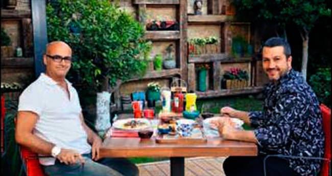 AZİZ SERÇE: Mutfakta yemek pişiren patronlar
