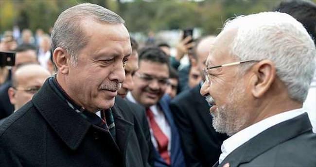 Erdoğan cuma namazını Gannuşi ile birlikte kıldı