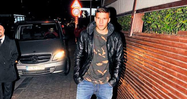 Podolski'nin her adımı olay!